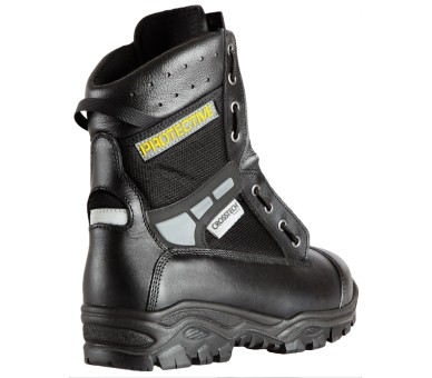 RESCUE footwear for paramedics and paramedics