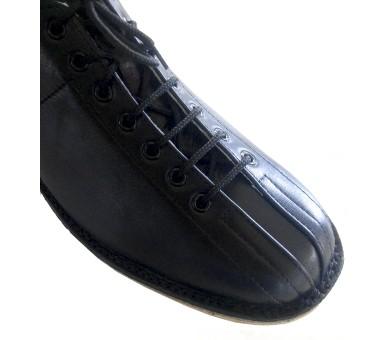 ZEMAN Folklor y zapatos de baile negros.